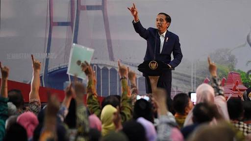 Presiden RI Joko Widodo Bagikan Ribuan Sertifikat Tanah Pada Rakyat