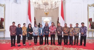 Presiden RI Jokowi, Gubernur Olly Dondokambey dan para Bupati/Walikota se-Sulut di Istana Kepresidenan, baru-baru ini.