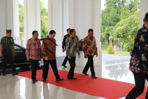 Gubernur Olly Dondokambey mengapresiasi Perhatian Presiden Jokowi untuk pembangunan Sulut