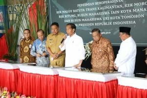 Presiden Joko Widodo didampingi Gubernur Olly meresmikan beroperasinya KEK Bitung, KEK Maloy Batuta Trans Kalimantan, KEK Morotai, Rusun Mahasiswa IAIN Manado dan Rusun Mahasiswa UKIT Tomohon, pada 1 April 2019.