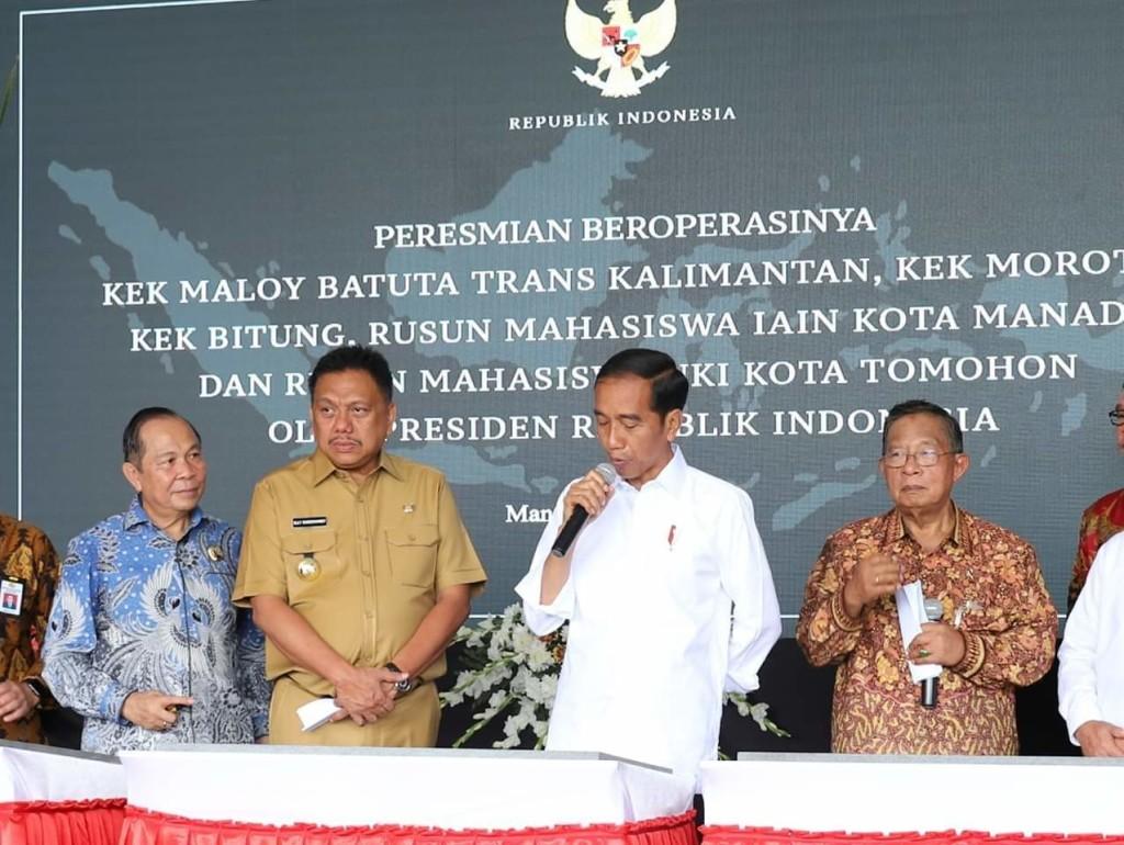Jokowi resmikan beroperasinya Kawasan Ekonomi Khusus (KEK) Bitung, KEK Maloy Batuta Trans Kalimantan, KEK Morotai, Rusun Mahasiswa IAIN Manado dan UKIT Tomohon.
