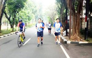 Wagub Sulut Steven Kandouw saat menempuh rute lari marathon event CC5K, Sabtu (27/4/2019) pagi.(Foto: ist)