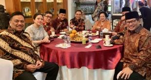 Gubernur Olly Dondokambey bersama sejumlah menteri di kediaman Megawati Soekarnoputri.(Foto: dok/hms)