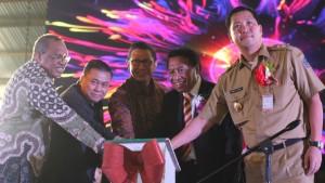 Pembukaan Perayaan Hari Pentakosta Nasional PGPI, yang dilaksanakan di Pantecostal Center, Manado, dan dihadiri Menteri Agama RI, Lukman Hakim Saifuddin.(Foto: hms)
