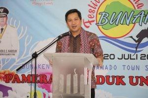 Wagub Sulut Steven Kandouw saat membuka Festival Pesona Bunaken 2019 yang digelar di Manado Town Square, Rabu 17 Juli 2019.(Foto: hms)