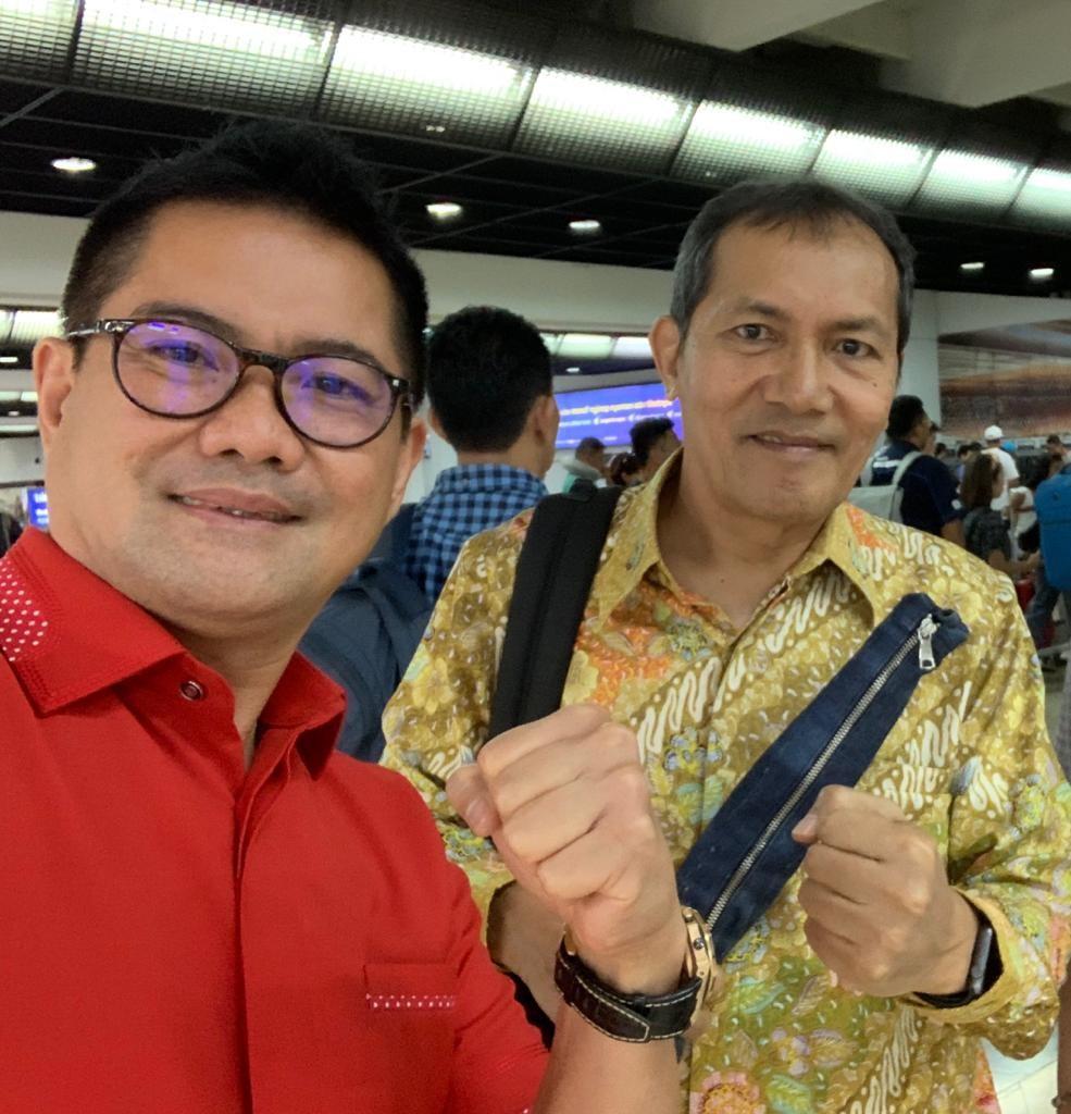 Pebisnis muda asal Minut, Joune Ganda, bersama Wakil Ketua KPK RI Saut Situmorang.(Foto: ist)