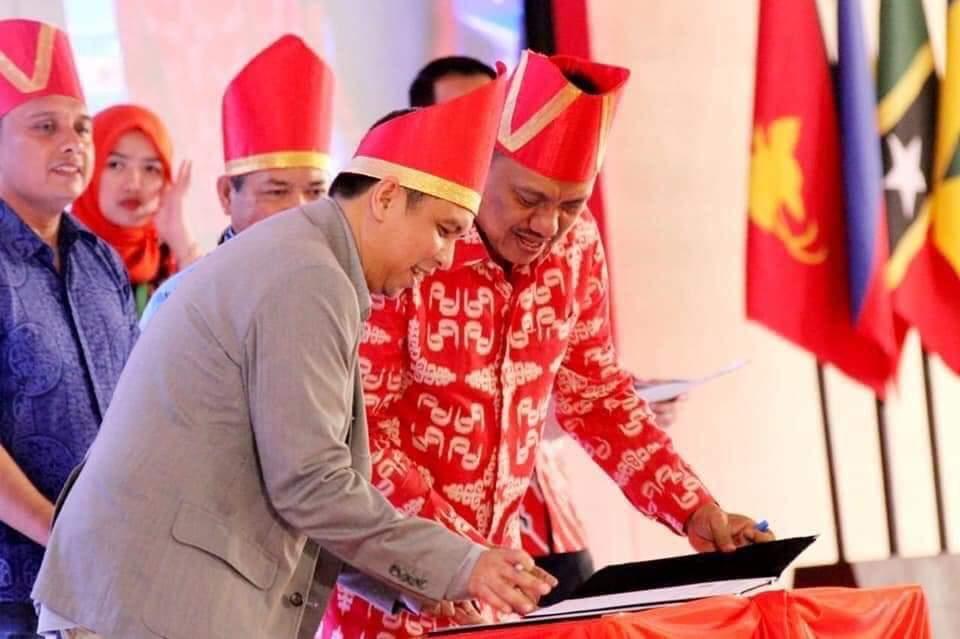 Penandatanganan MoU antara Pemprov Sulut dan PT Grab Teknologi Indonesia.(Foto: fbpemprov)
