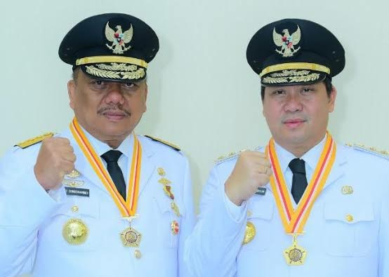 Gubernur Olly Dondokambey SE dan Wakil Gubernur Drs Steven OE Kandouw