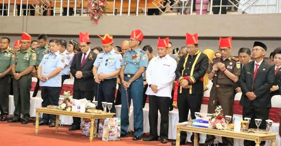 Para tamu yang hadir dalam rapat paripurna HUT ke-591 Kabupaten Minahasa.