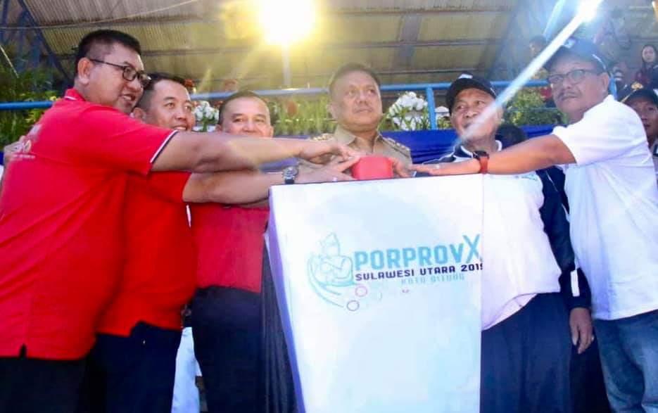 Pembukaan Porprov X di Kota Bitung dilakukan langsung Gubernur Sulut Olly Dondokambey SE, Senin 2 Desember 2019.(Foto: hbm)