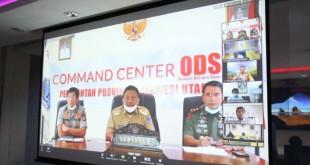 Gubernur Sulut Olly Dondokambey sebagai Ketua BKPRS melakukan rapat dengan gubernur se-Sulawesi untuk mengantisipasi penyebaran Covid-19, lewat video teleconference dari kantor gubernur, Senin 30 Maret 2020.(Foto: hbm)