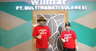 Gubernur Sulut Olly Dondokambey dan istri, Ir Rita Dondokambey-Tamuntuan saat berada di pabrik di Bitung, Senin 8 Juni 2020.(Foto: ist)