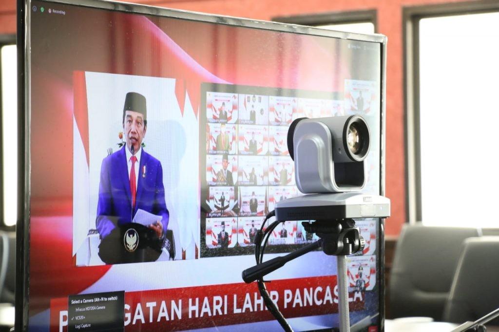 Presiden Jokowi memimpin upacara peringatan Hari Lahir Pancasila, dari Ruang Garuda Istana Bogor, Senin 1 Juni 2020.(Foto: hbm)