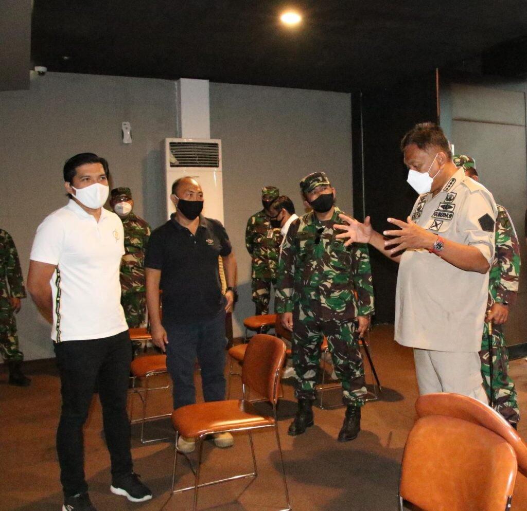 Gubernur Sulut Olly Dondokambey bersama jajaran Forkopimda meninjau kesiapan rumah ibadah, Kamis 25 Juni 2020.(Foto: ist)